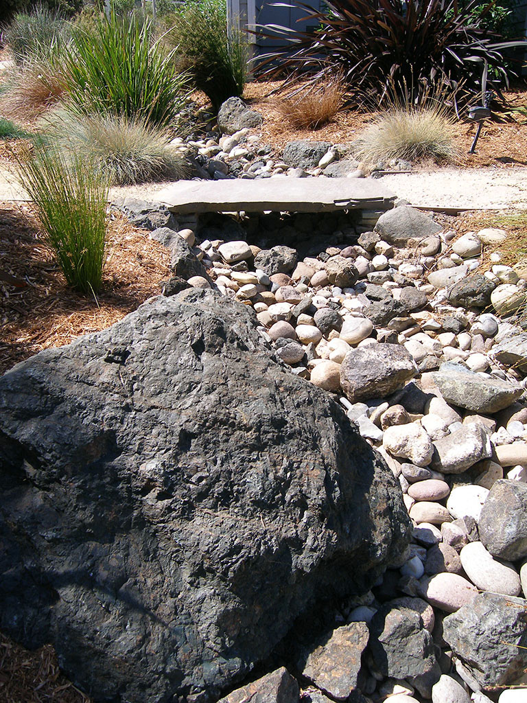dry creekbeds landscaping earthscapes